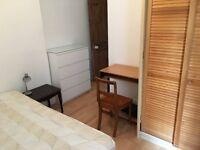 VERY NICE ENSUITE DOUBLE BEDROOM - BETTERSEA - ALL BILLS INCLUDED