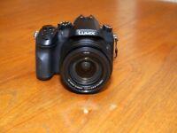 Panasonic Lumix DMC-FZ2000 Bridge Camera