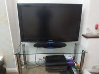40 inch Sansung TV and John Lewis Glass Stand