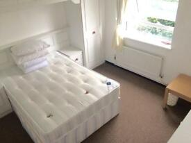 Move in ASAP without bills for spacious double room in Canary Wharf