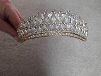 Tiara with Dewdrop Shape Crystals