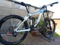 "Giant Glory (2012/13) 18"" Frame Downhill Mountain Bike"