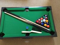 The Discovery Store Mini Tabletop Pool Game