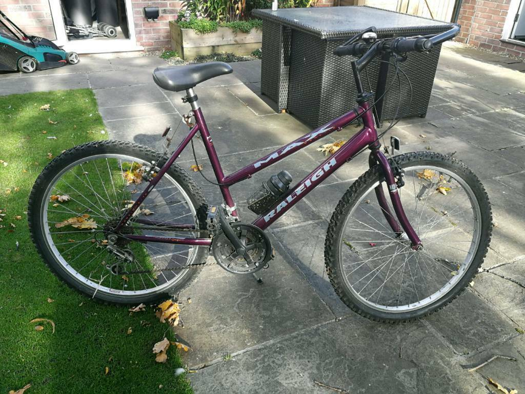Womens Raleigh bike