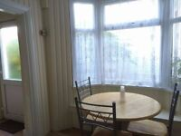 SPACIOUS FURNISHED - 24/7 LINK TO HEATHROW