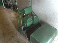 "Petrol self propelled lawnmower with grass box 4 stroke 24"" cylinder cutting blades rear roller gwo"
