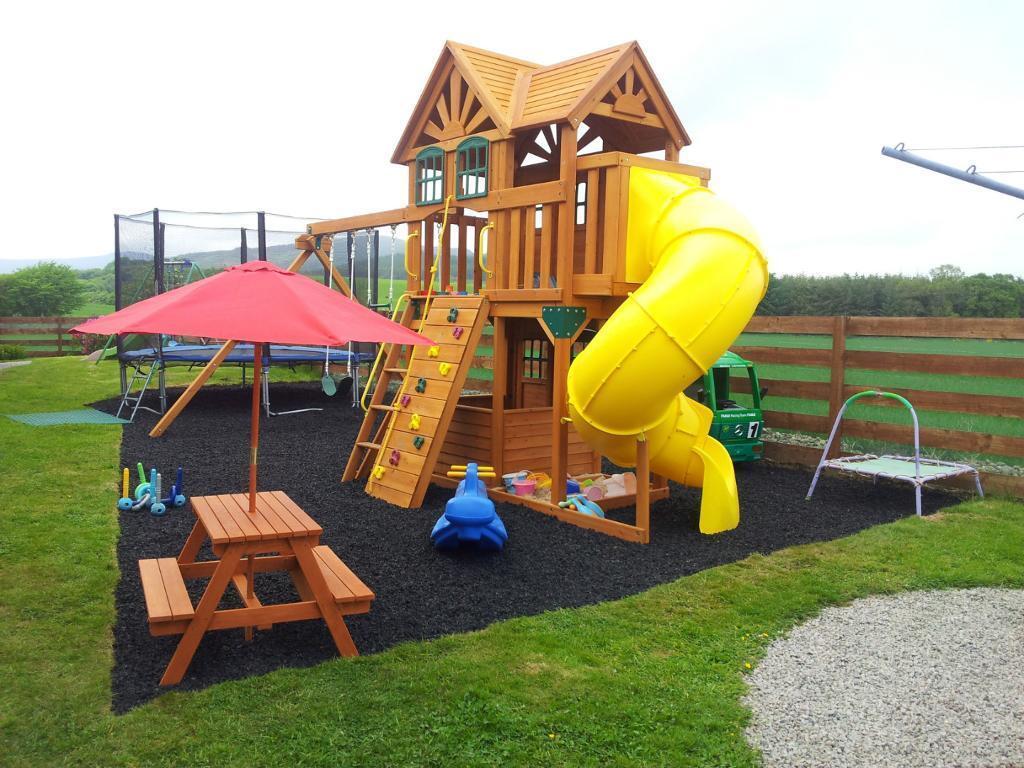 Terrasofta Soft Safe Playarea Playground Surface Rubber Chippings Bark Chip Mulch Flooring