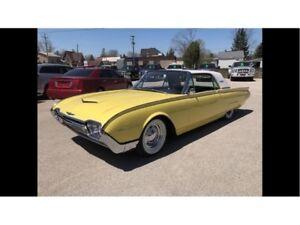 1961 Ford Thunderbird -