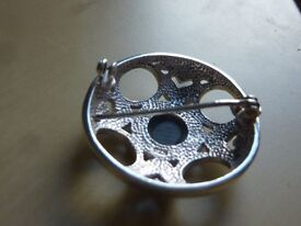 lovely old collectible brooch (see photo) b