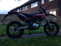 Rieju mrt supermoto motorbike motorcycle 125cc Lerner legal