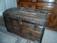 Old Chest / Trunk - Treasure Type Chest