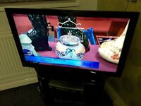 Sony Bravia 40' LCD HD USB 4xHDMI 1080p Freeview TV With Remote Stand