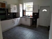 2 BED HOUSE NEWLY REFURBISHED, DSS ACCEPTED, DEPOSIT FLEXIBLE, GUARANTOR MUST