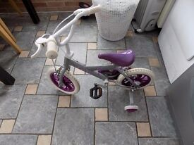Child's bike - age 2-3 years. Solid tyres.