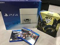 PlayStation 4 500GB Limited Edition Glacier White Bundle