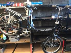 Raleigh folding bike (great condition, fully serviced)