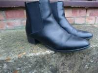 New Look black wide fit boots, size 6