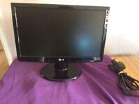 LG monitor W43 .