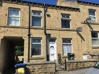 Spacious two bedrooom front terrace property To Let, Housing benefit welcome, Fearnsides Street, BD8