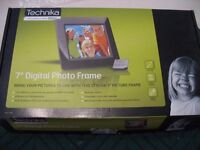 """7"""" Digital Photo Frame - As new – still in original box and packaging."""