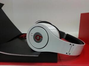 Beats By Dre Headphones. We Sell Used Headphones (#10741) (1)  JV731461