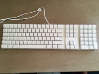 Beautiful, minimal, excellent condition Apple A1048 USB Pro Keyboard (UK / QWERTY Layout)