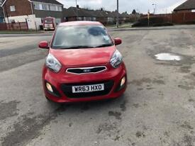 Kia picanto 2013, free tax top runner, low miles
