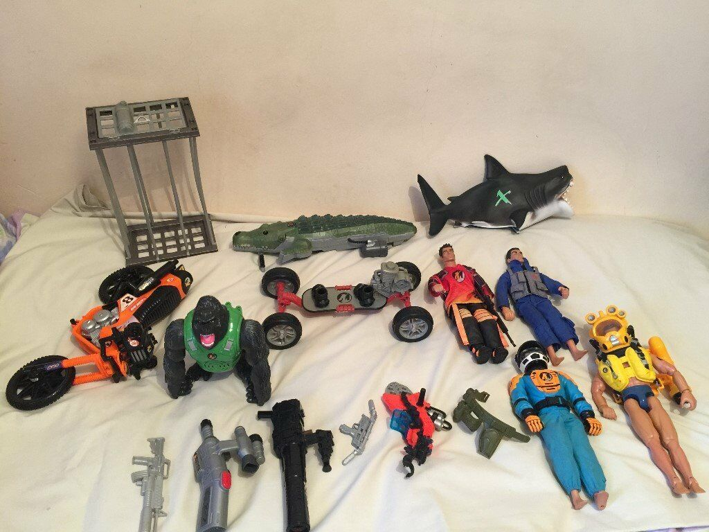Action Man Bundle Crocodile Shark And Cage Skateboard Motorbike