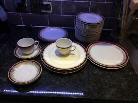 Retro Alfred Meakin plates / cups / saucers