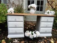 Beautiful Vintage Shabby Chic Dressing Table/Sideboard / Desk