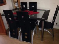 Glass dining table with 6 chairs - very good condition // free delivery