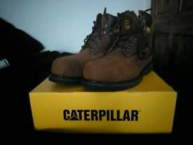 Men's boots size 12 brand new