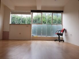 Office Room to Let by 4.3M x 3.9M with all services provided