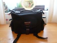TAMRAC SYSTEM 6 PHOTOGRAPHIC CAMERA BAG, EXCELLENT CONDITION.