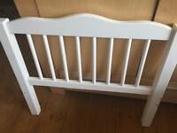 Junior bed - white