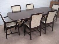 DINING ROOM TABLE AND CHAIRS DINING ROOM TABLE AND CHAIRS Extending table with 6 chairs