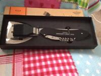 BBQ utensils brand new grab a bargain