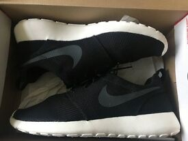 Nike Roshe Size 9
