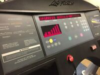 Life Fitness 9500 Next Gen Treadmill
