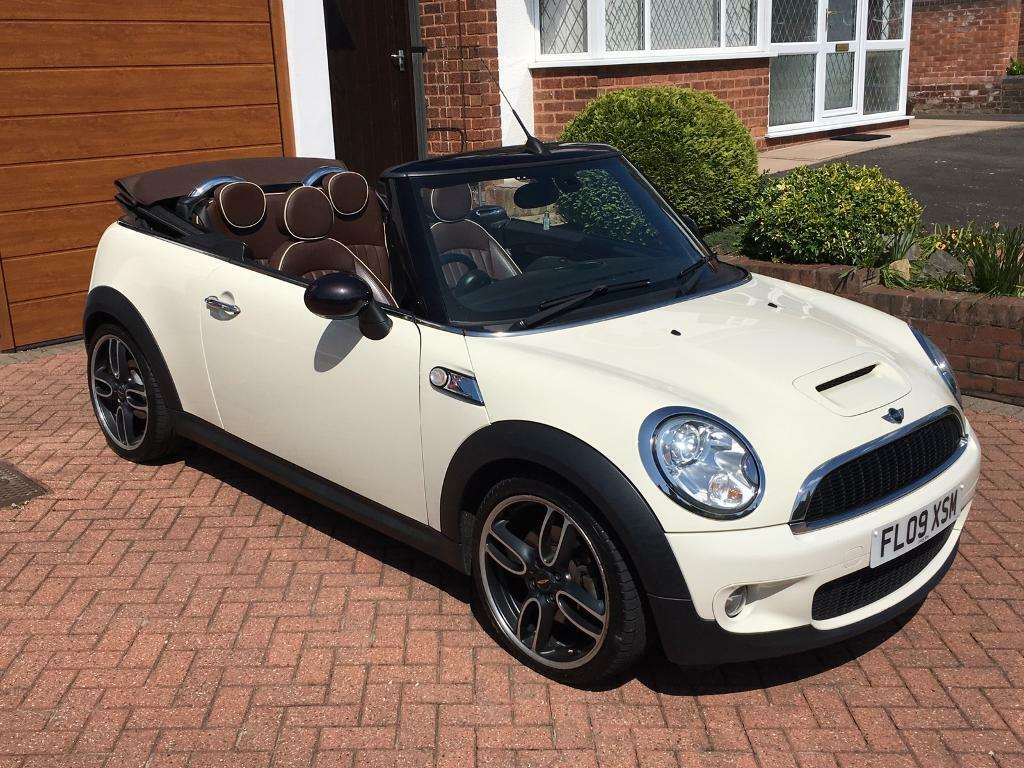 2009 mini cooper s cabrio convertible 1 6 turbo sport r57 175 bhp top spec in walsall west. Black Bedroom Furniture Sets. Home Design Ideas