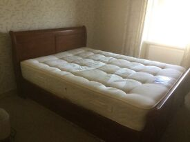 Kind size sleigh bed