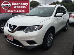 2015 Nissan Rogue S / One Owner