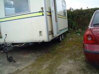 Box trailer twin wheeled