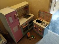 Play cooker/kitchen