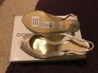 Size 6 ivory wedding shoes