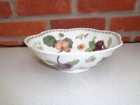 Queen's Royal Horticultural Society Collection 'Hooker's Fruit' Bone China fruit bowl