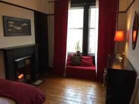Beautiful, bright and airy flat in central Glasgow