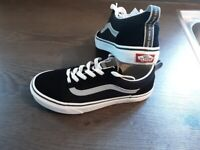 vans as new size 4