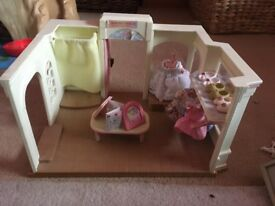 Sylvanian family dress shop inc figures and parts
