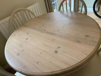 Kitchen table and chairs extending seats 4 - 6